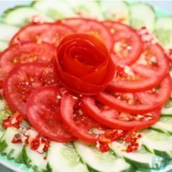 Tuyệt chiêu giảm cân bằng salat cà chua