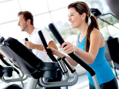 Ngoài tập thể thao ra bạn cũng cần tập luyện sức mạnh. Đây là cách giảm béo toàn thân khoa học.