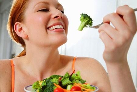 Sử dụng rau củ là một trong những cách giảm béo an toàn