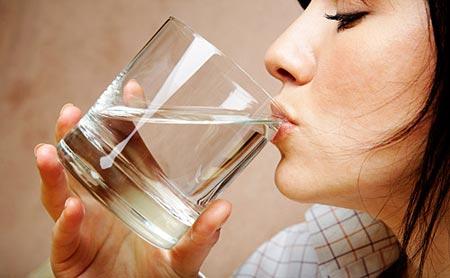 giảm béo bụng nhờ uống nước